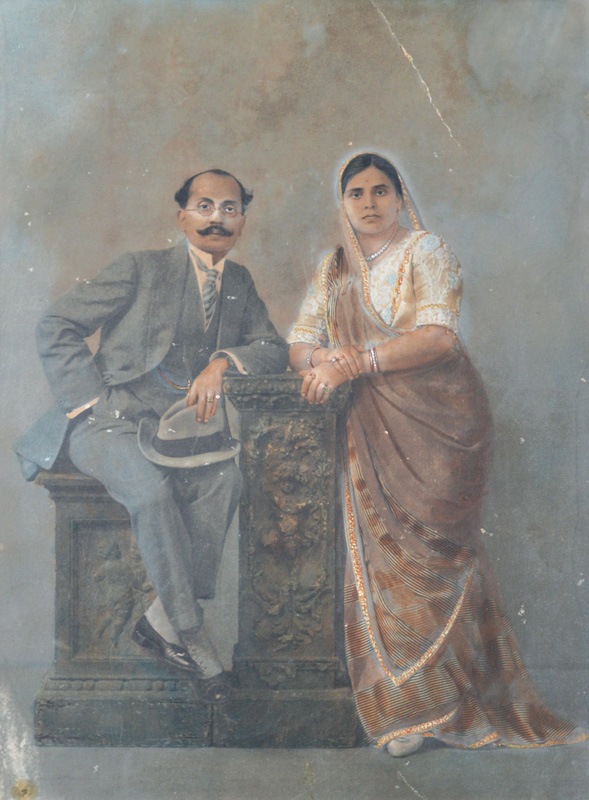 Bhawarlal and his wife